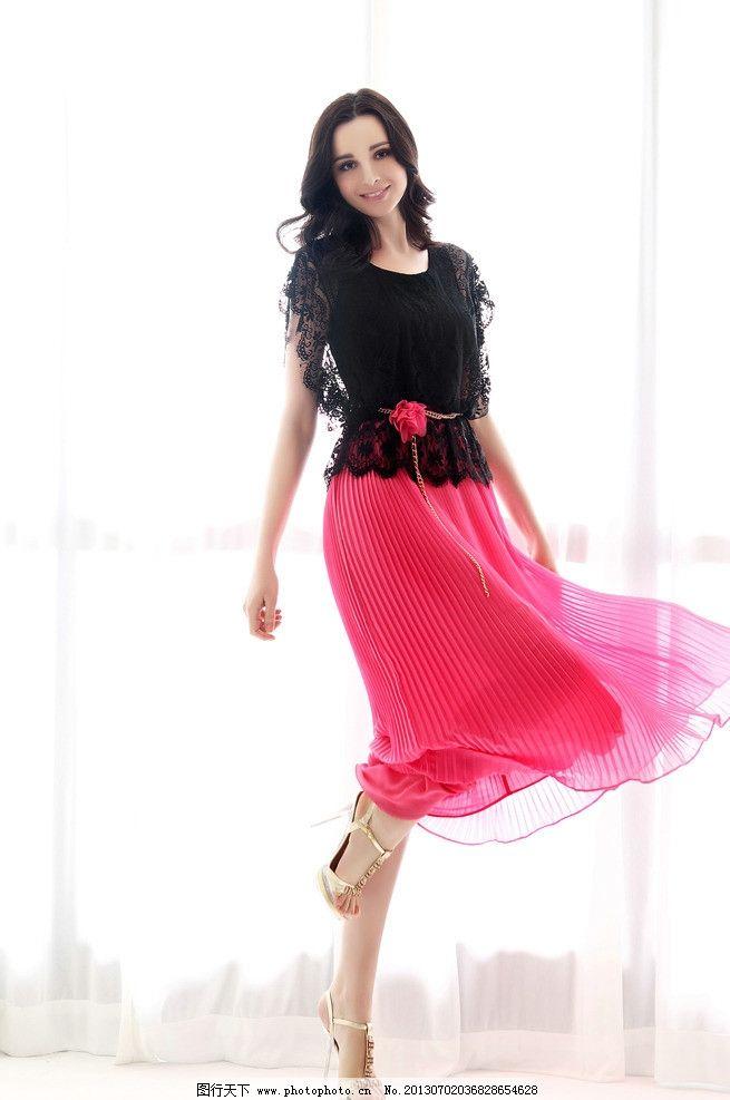 服装模特 服装画册设计素材 长裙 红色 长发 欧美 服装画册模板下载