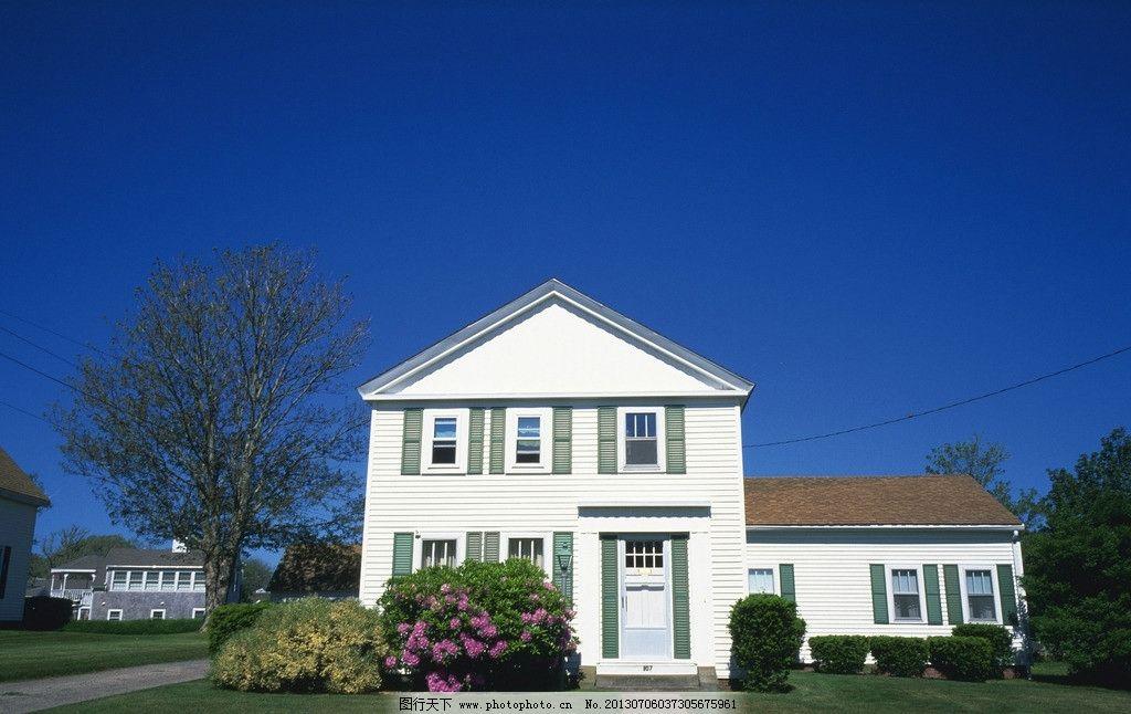 房屋素材图片 房屋 建筑 屋顶 窗户 门窗 阴影 树荫 欧式 国外 庭院