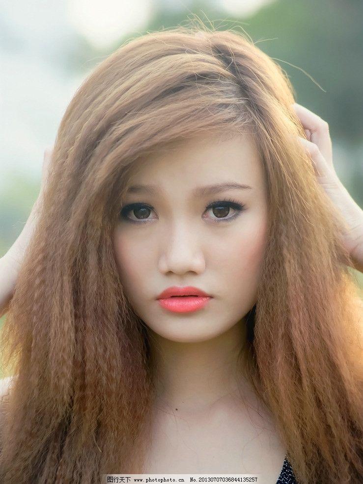 长发气质清纯美女头像
