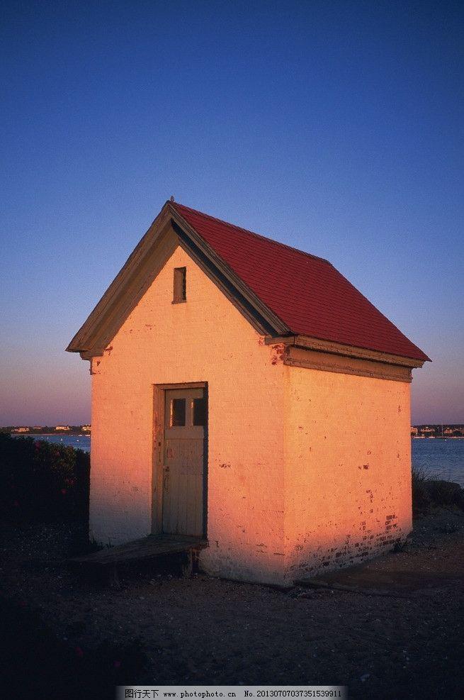 房屋素材图片 房屋 建筑 门窗 阴影 影子 欧式 国外 植物 种植 花草