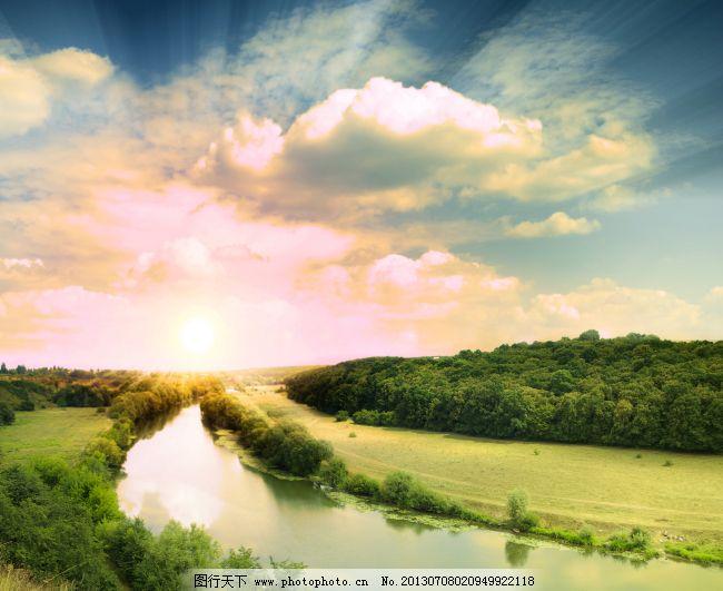 底纹边框 背景图片  天空下的小河免费下载 白云 风景 高清 河流 森林