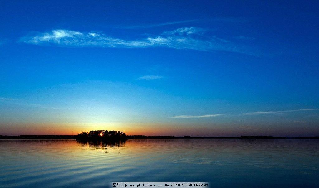海边风景图片,风景壁纸 海滩 海浪 礁石 蓝天 倒影-图