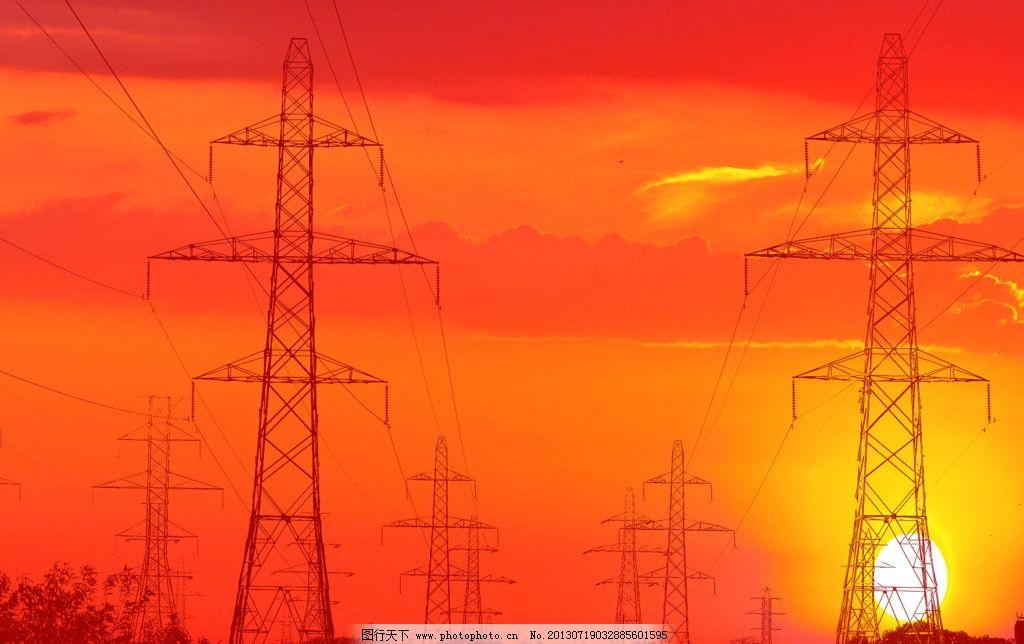 夕阳电线塔图片