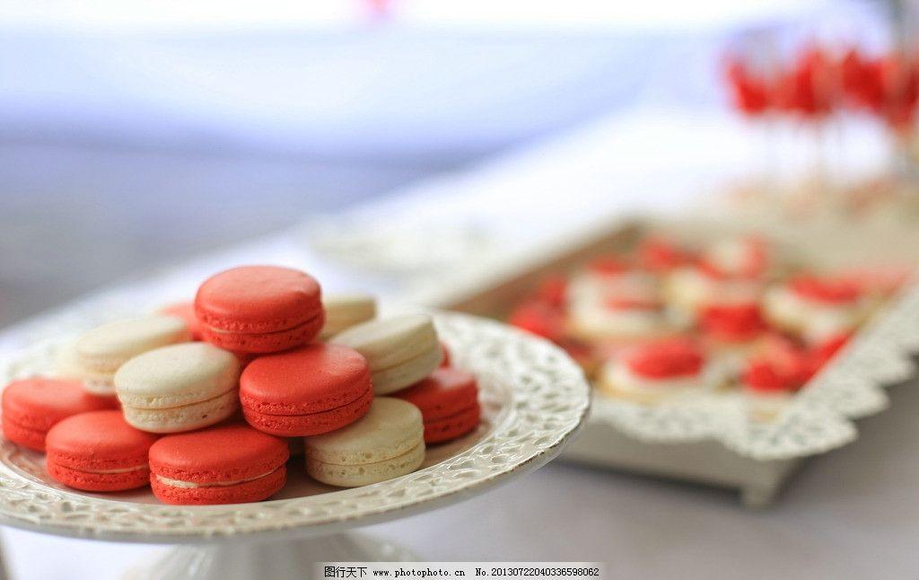 马卡龙糕点 点心 糕点 甜品 马卡龙 红色 美食 西式甜点 西餐美食图片