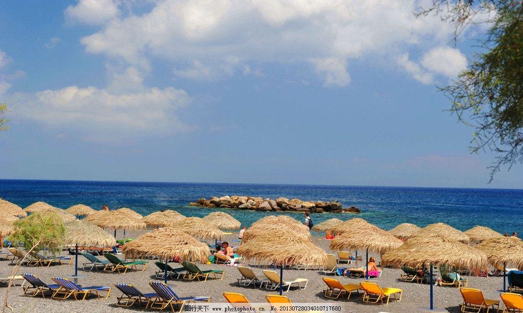 海岛 海边 旅游胜地 草坪 海滩 沙滩 休闲 避暑 躺椅 蓝天 蔚蓝 白云