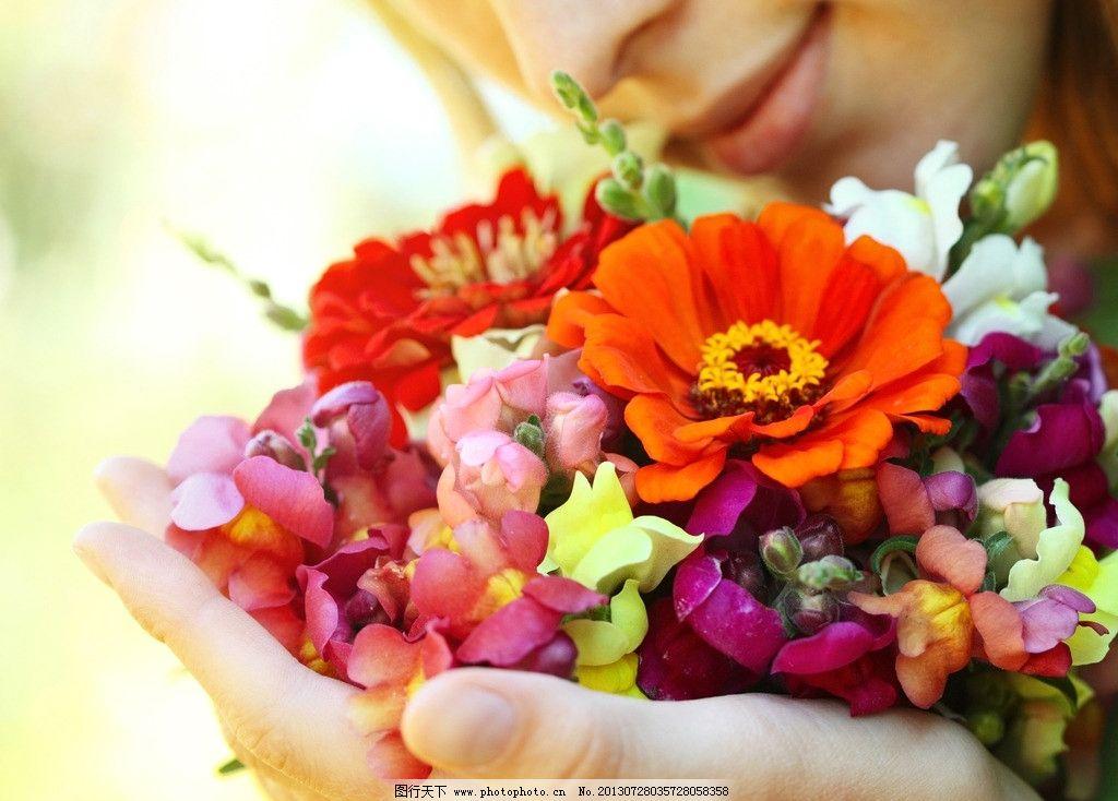 鲜花 鲜艳 色彩 彩色 美女 花朵 花束 浪漫 温馨 礼物 花瓣 梦幻 壁纸