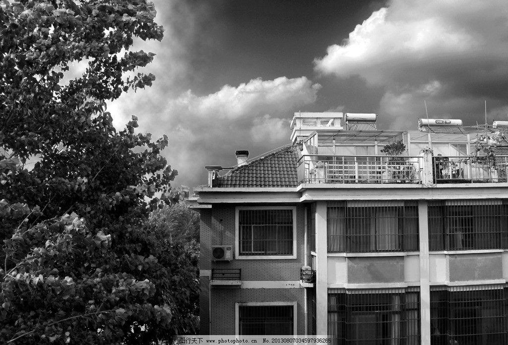 黑白房屋摄影图片