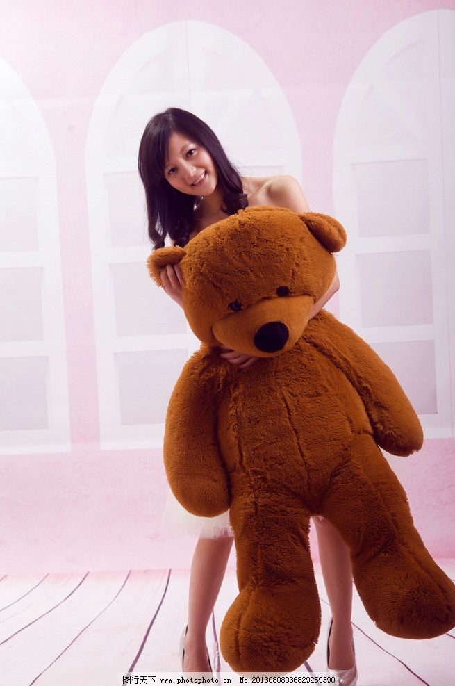 梁佳佳 清纯 可爱 美女 粉色 抱熊 女性女人 摄影