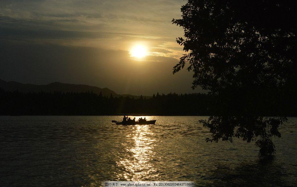 西湖傍晚图片