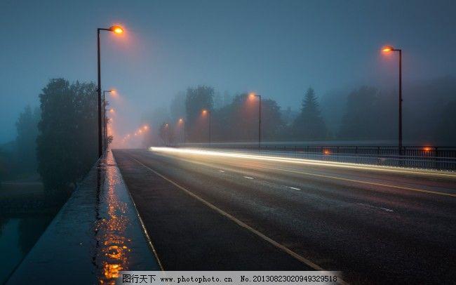 马路免费下载 路灯 马路 夜晚 马路 雨后 夜晚 路灯 图片素材 背景
