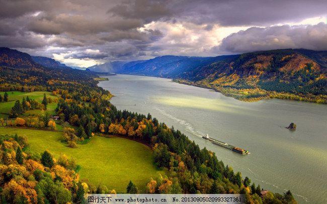 自然森林湖边风景