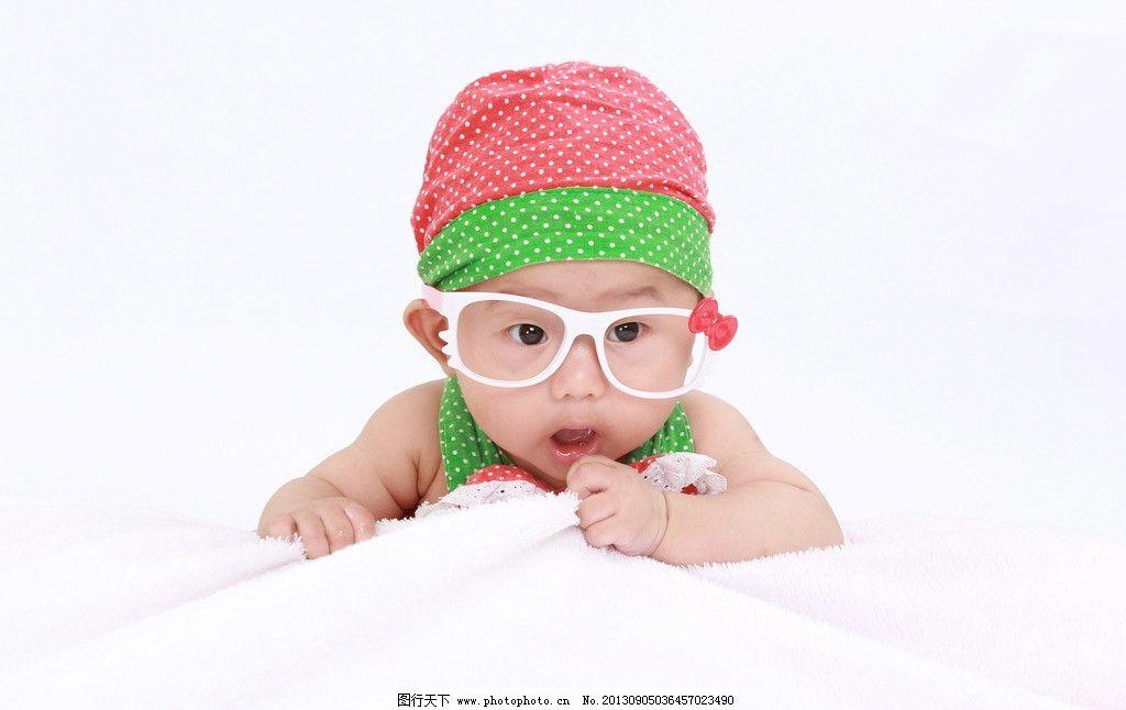宝宝百日照图片,宝贝 帽子 衣服 艺术照 可爱 婴儿-图