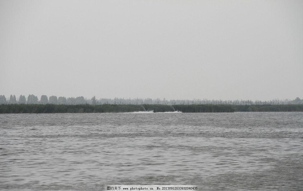 林湖/巴彦淖尔纳林湖灰度水图片