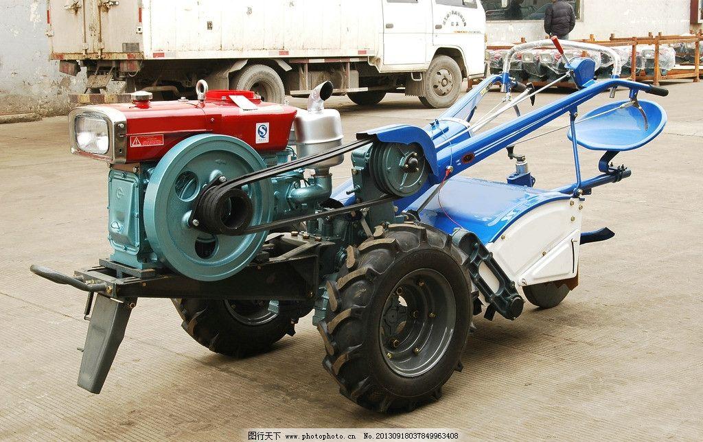 农用拖拉机图片